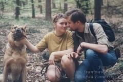 1994 r. Na spacerze z żoną Iwoną i psem Thorem w lasach oliwskich.